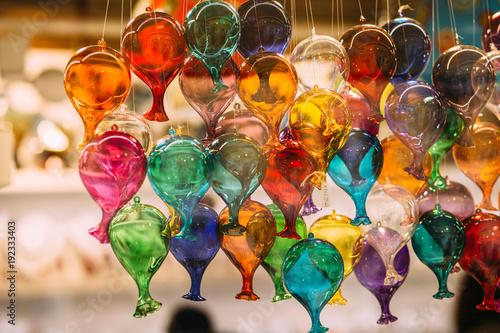 Photo Murano glass figures in a venice shop