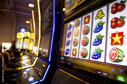 Cuadros en Lienzo Slot machines in casino