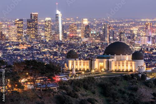 Fotografia, Obraz Griffith Observatory Park with Los Angeles Skyline at Dusk