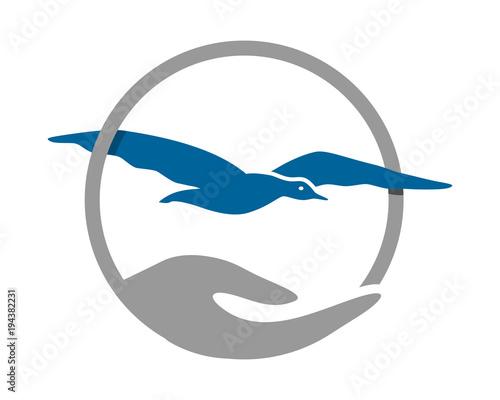 Fototapeta premium seagull circle hand image vector icon