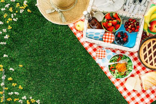 Wallpaper Mural Summertime picnic