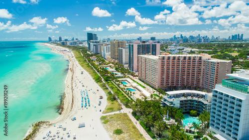 Fototapeta premium Widok z lotu ptaka na South Beach, Miami Beach, Floryda, USA.