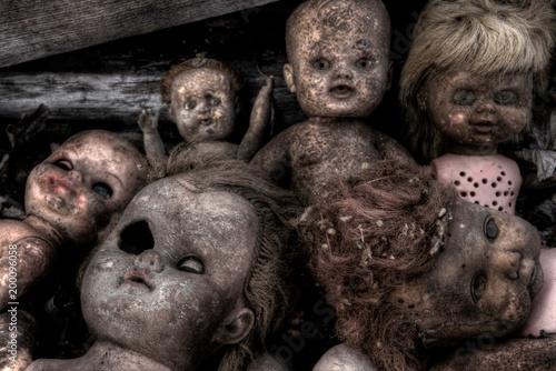 Canvas Print Creepy Broken Old Dolls
