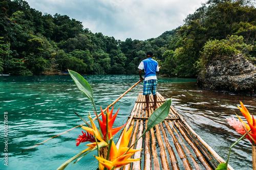 Canvas Print Bambus Fahrt in blue lagoon auf Jamaika