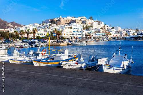 Платно Port in Naxos, Greece