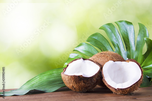 Canvas coconut open to natural on wooden bottom