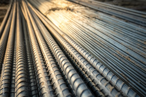 Fotografia Construction rebar steel work reinforcement in conncrete structure of building