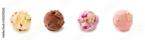 Canvas-taulu Four ball of fruit ice cream isolated .