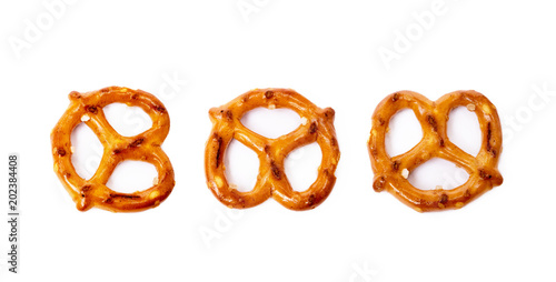 Obraz na plátně Salty cracker pretzel isolated on white background