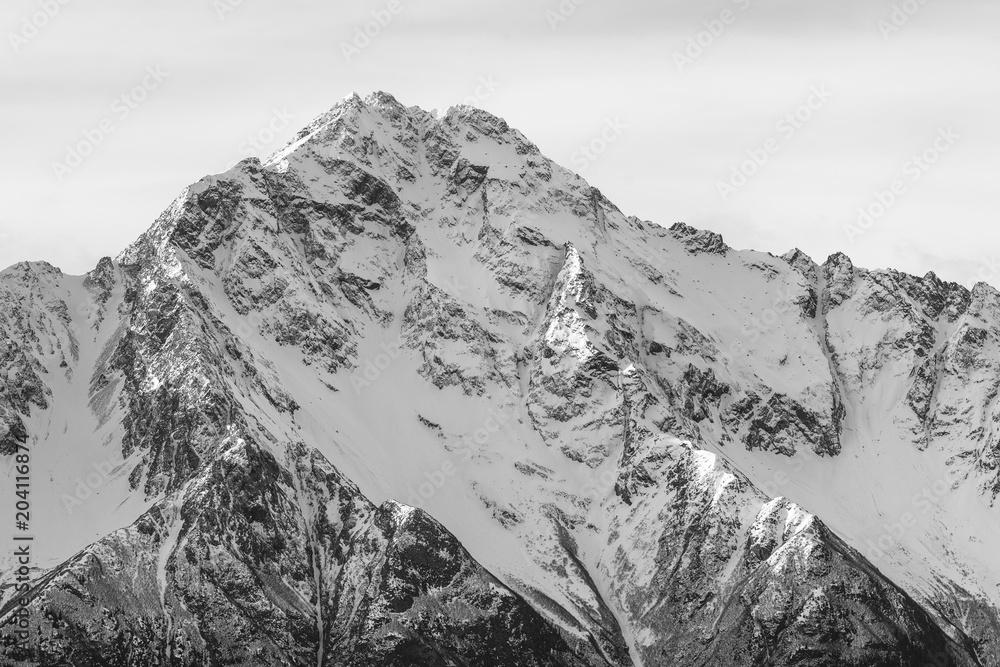 Zbliżenie Pioneer Peak na południe od Palmera <span>plik: #204116874   autor: latitude59</span>