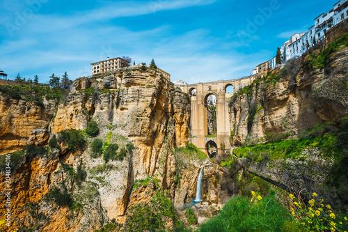 Obraz na płótnie the famous stone bridge over the gorge of tajo in Ronda, Andalusia, Spain