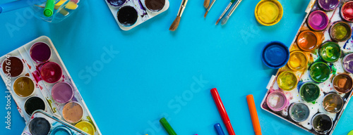 Foto Watercolor paints, artistic brushes,pens accessories for an artist long drawing