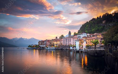 Canvas Print Romantic sunrise at Bellagio, Lake Como, Italy