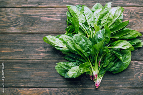 spinach bunch, leaves, wooden background, detox, fresh vegetables