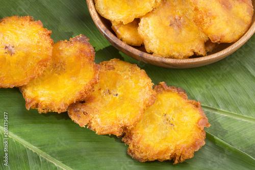 Fried plantain toston (patacon)