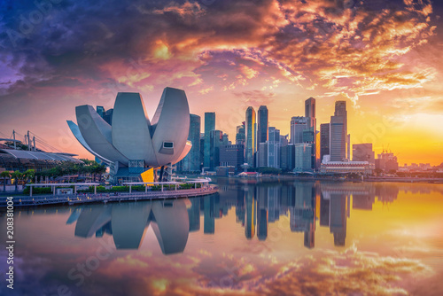 Canvas Print Singapore Skyline and view of skyscrapers on Marina Bay at sunset
