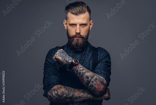 Stampa su Tela Handsome old-fashioned hipster in shirt and suspenders, pose with crossed arms