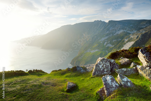 Photo Slieve League, Irelands highest sea cliffs, located in south west Donegal along this magnificent costal driving route