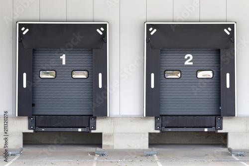loading docks for trucks at warehouse Fototapete
