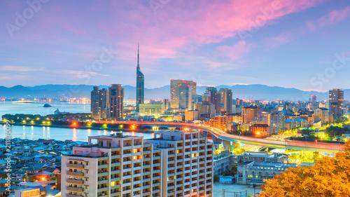 Fototapeta premium Panoramę miasta Fukuoka w Japonii
