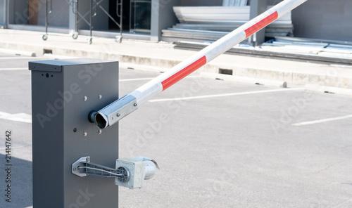 Fotografia Automatic car barrier gate security in the city park