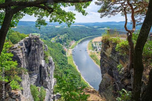 Blick ins Elbtal vom Basteigebirge aus