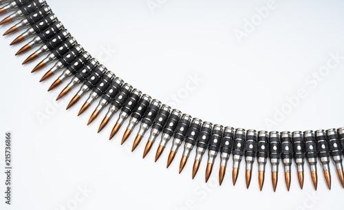 Fotografia ammo belt full of bullets isolated