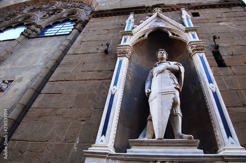 Photo Florence, Italy / July - 7 2016: a view of Saint George sculpture by Donatello,