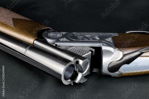 Fototapeta Open Shotgun on a Baize Table Top