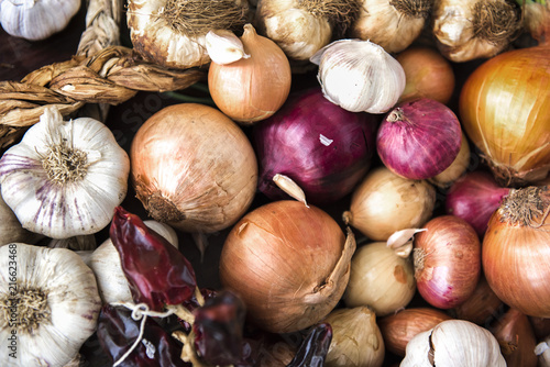 Fotografie, Obraz Closeup garlic and onion bulbs