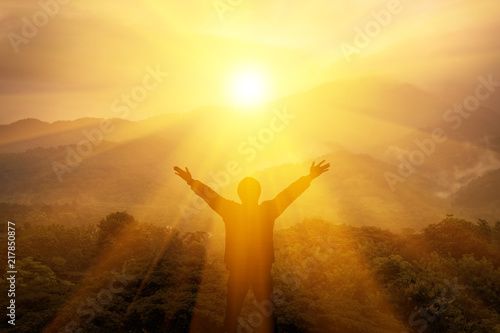 Man thank God on the mountain Fototapeta
