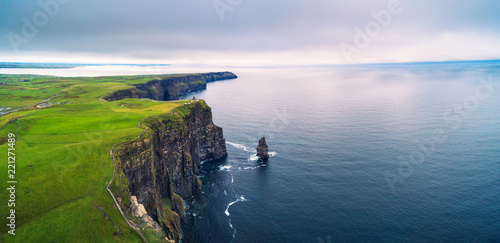 Fotografia Aerial panorama of the scenic Cliffs of Moher in Ireland