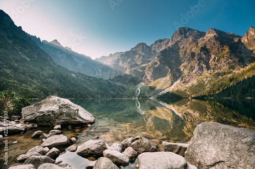 Fototapeta premium Tatrzański Park Narodowy, Polska. Małe góry Jezioro Zabie Oko lub M