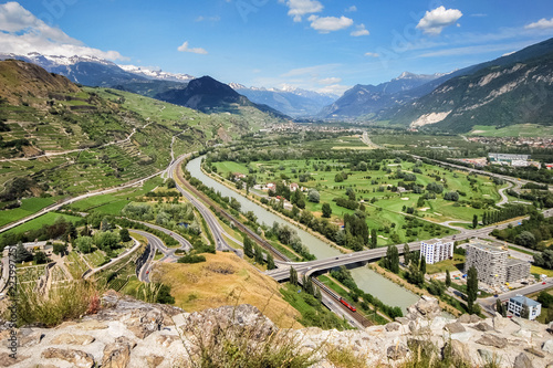 Fotografia View of the Rhone Valley from Sion (capital of Canton Valais in Switzerland) towards Sierre