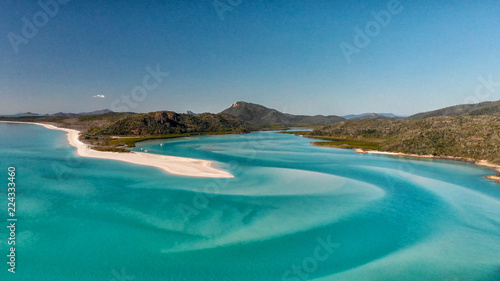 Canvas Print Aerial view of Whitehaven Beach from Hill Inlet on a sunny morning, Queensland -