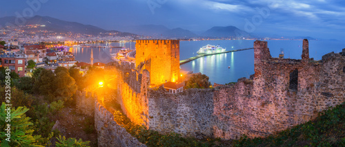 Fotografie, Obraz Panorama of Alanya at Night - Turkey