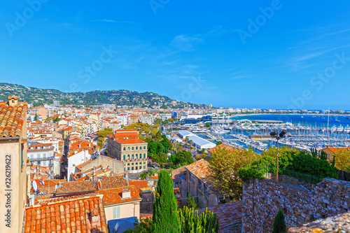 Obraz na płótnie Panoramic view of the port in Cannes, Cote d'Azur, France