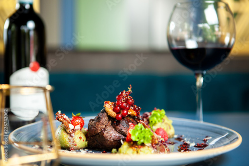 Canvas Print Fine dining Grilled steak with vegetables in restaurant, Professional gastronomy