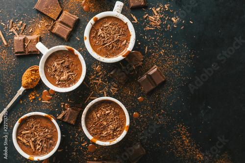 Carta da parati Tasty hot chocolate drink in small cups