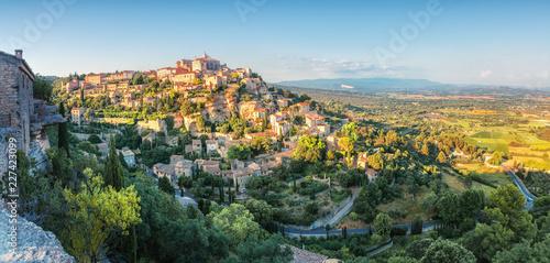 Carta da parati French medieval town in Provence - Gordes