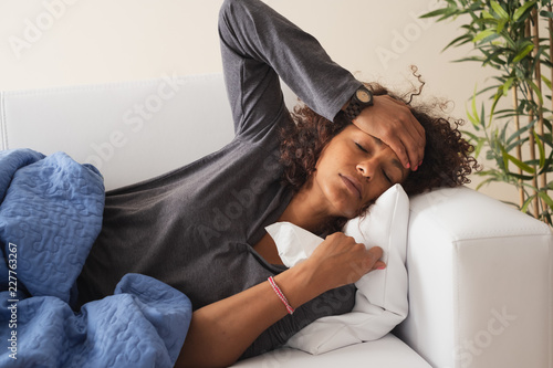 Stampa su Tela Ill woman with cold and flu bad symptoms