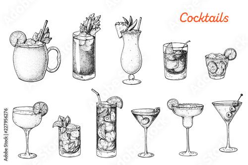 Alcoholic cocktails hand drawn vector illustration. Sketch set. Moscow mule, bloody mary, pina colada, old fashioned, caipiroska, daiquiri, mint julep, long island iced tea, manhattan, margarita.