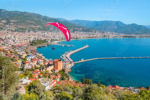 Obraz na plátně Landscape with marina and Red tower in Alanya peninsula - Antalya, Turkey