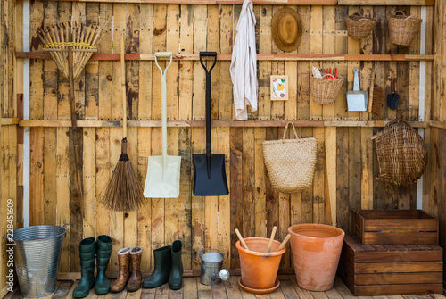 Fotografia Gardening tools in the shed, tool concept