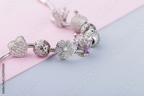 Cuadros en Lienzo Bracelet with silver charm beads with gems