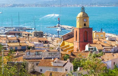 Fototapeta ville et port de Saint-Tropez, côte d'Azur, France
