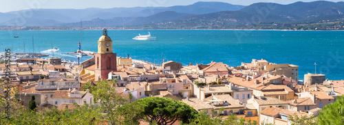 Obraz na płótnie Panorama de Saint-Tropez sur la côte d'Azur, France