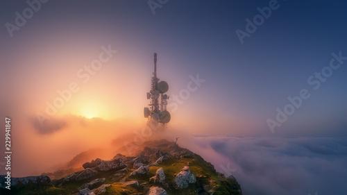 Fotografia telecommunications tower on Oiz mountain top
