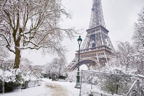 Naklejki na meble Zima w Paryżu