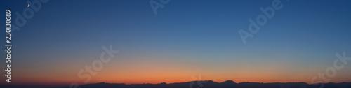 Obraz na plátne Himmel bei Abenddämmerung